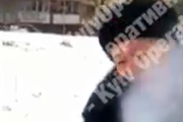Некеровані жартівники. У Києві підлітки з балончиком полювали на жінок