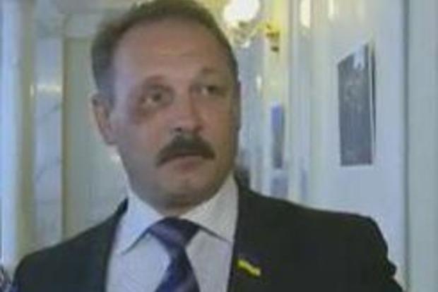 Нардеп пришел в Раду с фингалом, после встречи с Порошенко