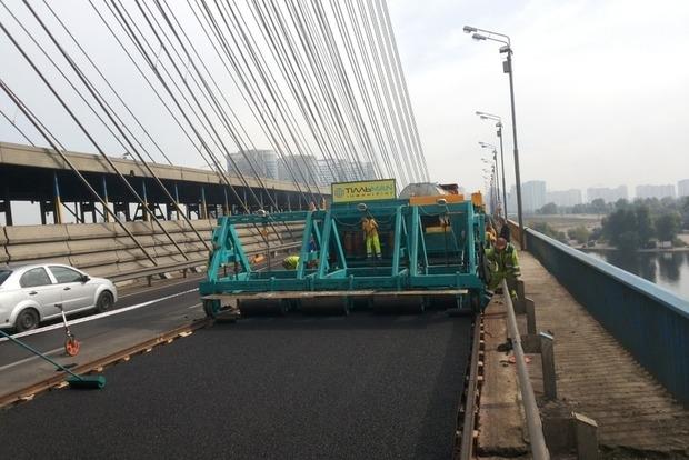 На мосту Патона в Киеве ограничат движение из-за ремонтных работ