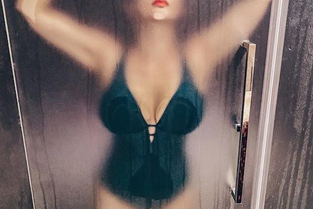 Анфиса Чехова устроила откровенную фотосессию