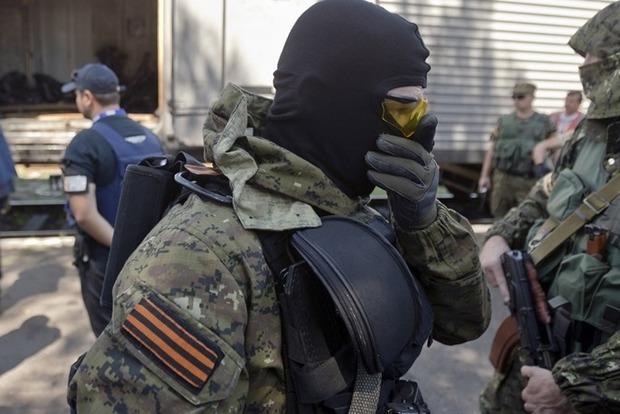 Боевики на Донбассе массово увольняются со службы