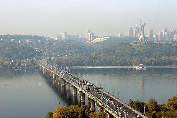 4 миллиона - на смотрины: У Кличко признали, что мост Патона стал небезопасен