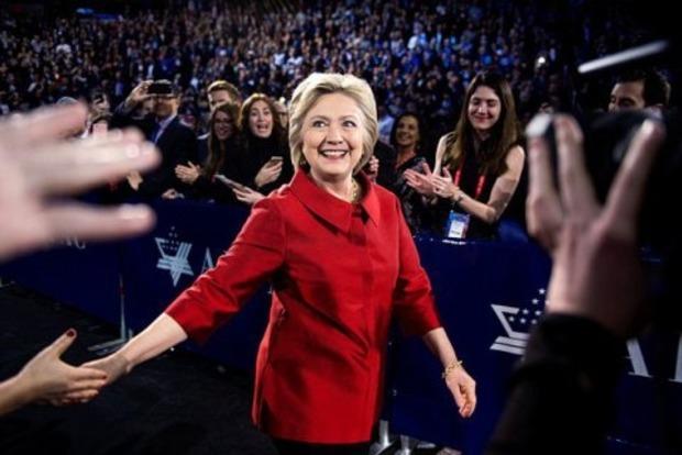 Штаб Клинтон поддержал пересчет голосов в нескольких штатах