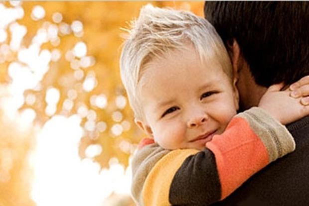 Минздрав предлагает разрешить усыновлять детей ВИЧ-инфицированным, больным раком 4-й стадии и болезнью Альцгеймера