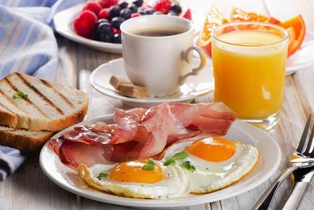 Пропуск завтрака ведет к серьезным болезням у мужчин
