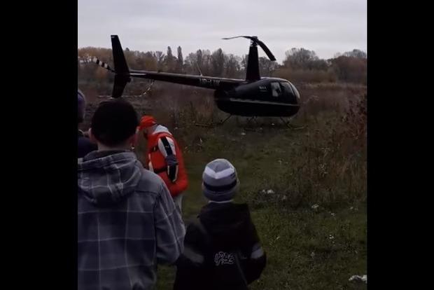 В Чернигове ищут мужчину, который с троллейбусной остановки улетел на вертолете