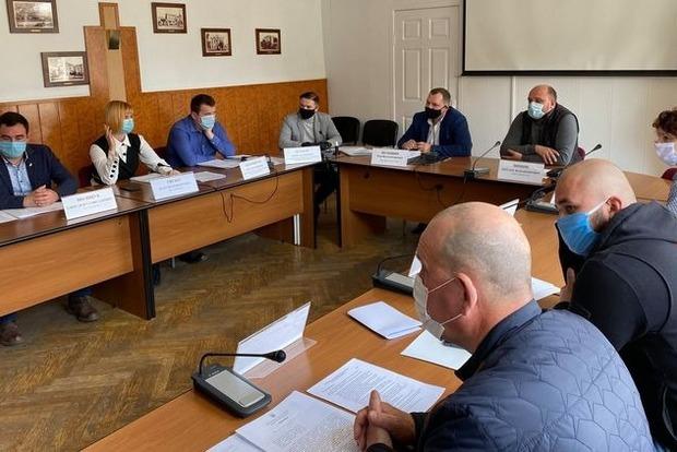 Первый украинский город отменил коронавирусный карантин