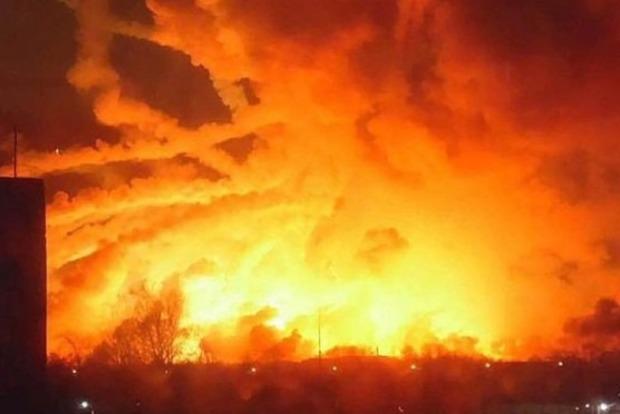 В результате взрывов под Винницей пострадали два человека