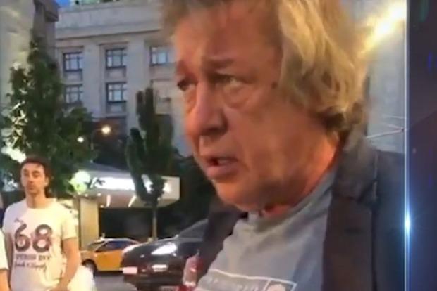 Актер Михаил Ефремов задержан после ДТП. Появилось видео момента аварии