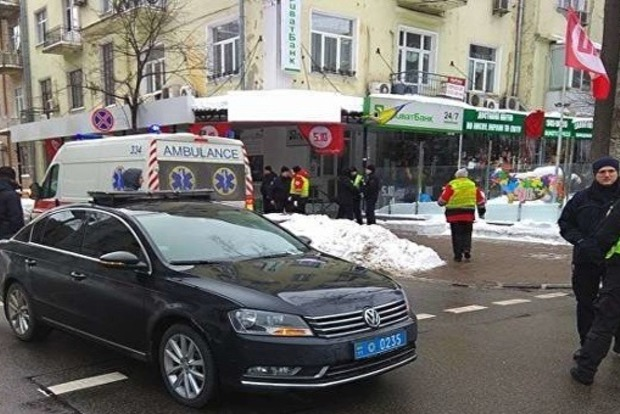 Вцентре украинской столицы кортеж Порошенко сбил мужчину