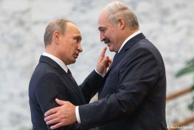 Путин отчитался Лукашенко про свои переговоры с Меркель и Макроном
