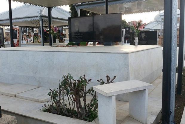 Азербайджанцам запретили роскошные надгробия