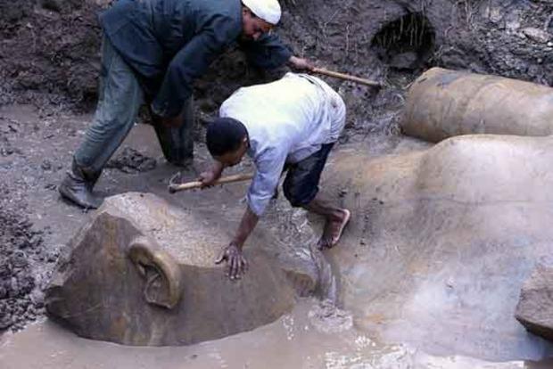 В Каире среди мусора нашли большую статую Рамзеса II