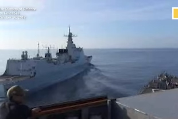 Военные корабли США и Китая едва не столкнулись в Южно-Китайском море