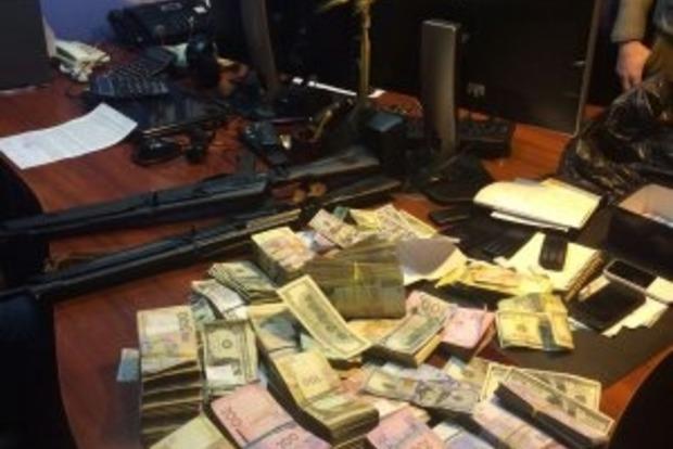 В Днепропетровске разоблачили сеть нелегальных обменников