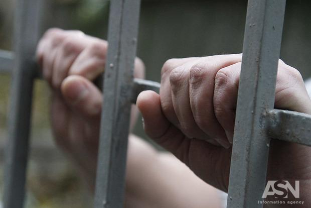 Сбежавшего из зала Миргородского суда рецидивиста поймали в Киеве