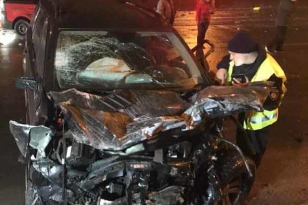 В Киеве произошло жуткое ДТП с участием 5 авто, есть жертвы
