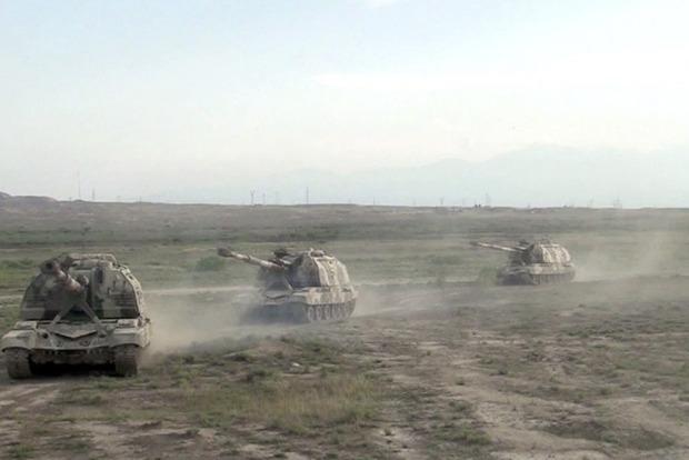 Минобороны Армении и Азербайджана сообщили о возобновлении обстрелов в Карабахе