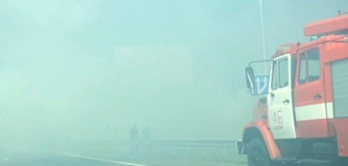 Движение транспорта между Кременчугом и Горишними Плавнями перекрыто из-за пожара и задымленности