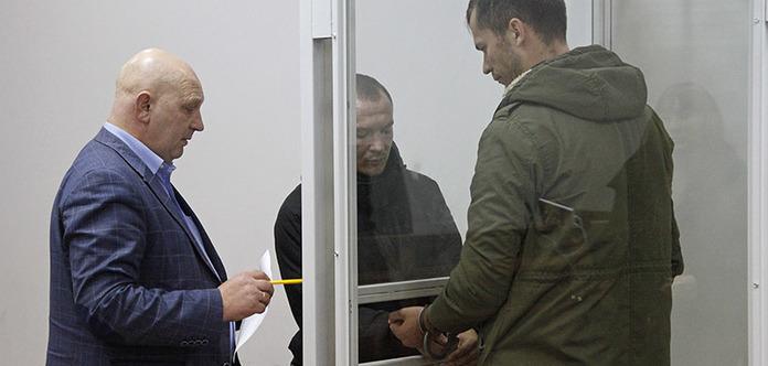 Шевченковский суд оставил под стражей четверку «черных коллекторов»