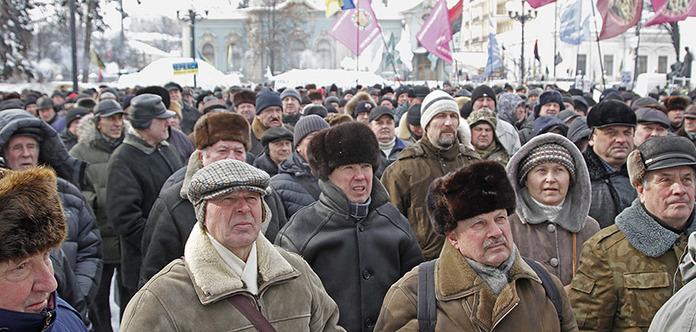 Розенко назвал новую дату выплат повышенных пенсий военным