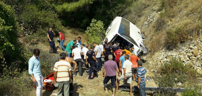 У Туреччині автобус впав у прірву, четверо загиблих