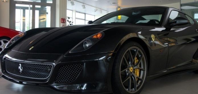 Біля ринку «Троєщина» викрали елітний автомобіль за 20 мільйонів