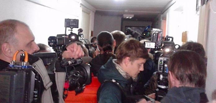 Поддержать Авакова в суд пришли депутаты и люди в форме