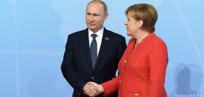 Путін поскаржився Меркель на