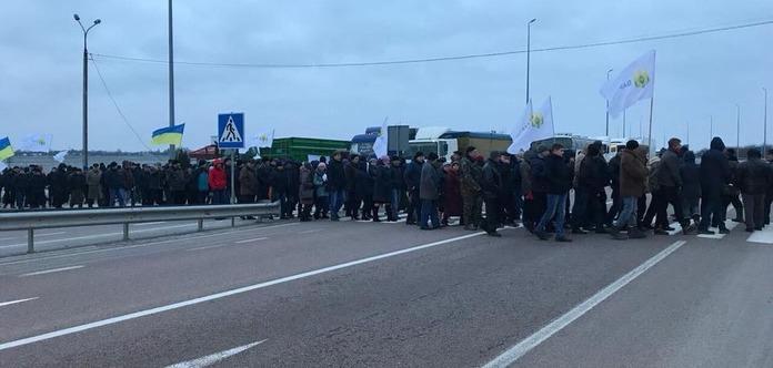 Аграрии предупредили о массовом блокировании трасс 15 марта: хотят добиться отмены налогов