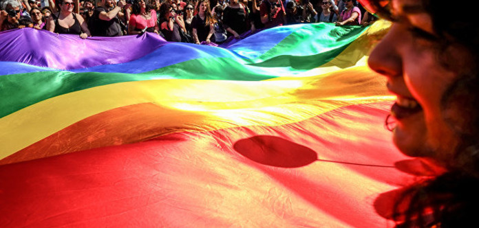 Більшість австралійців підтримали одностатеві шлюби