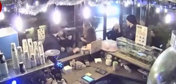 Пьяный мужчина в Киеве после замечания устроил драку в кафе