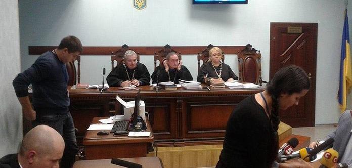 Суд оставил Авакова под домашним арестом