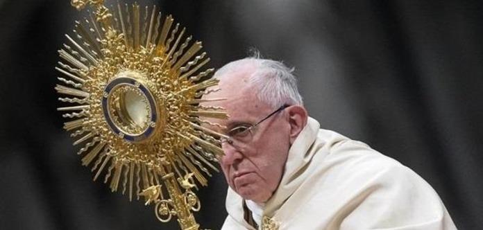 Папа Римский хочет изменить