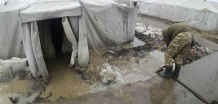 Из-за бардака на полигоне, командующему Сухопутных войск приказано переселиться в палатки на
