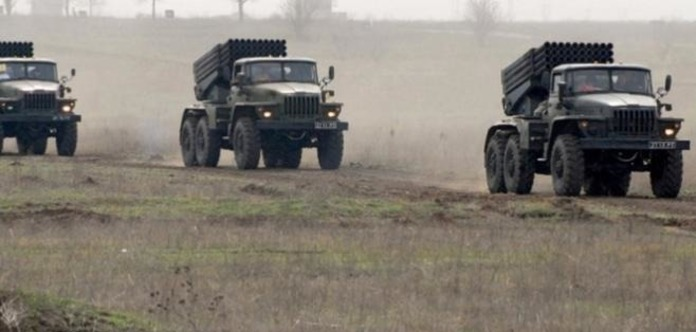 Под Донецк привезли 14 «Уралов» со снарядами к РСЗО «Град»