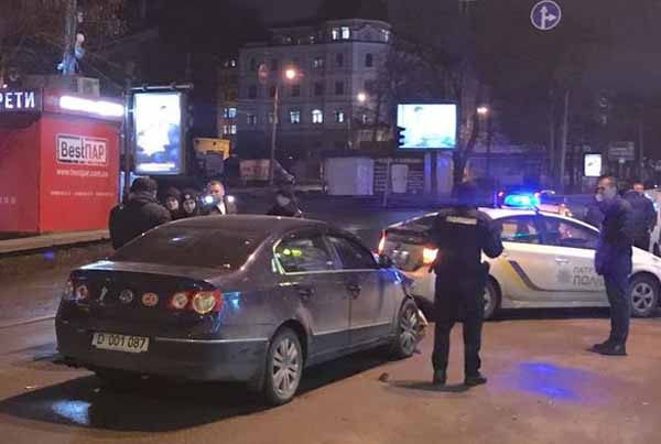 ЗМІ: УКиєві сталася ДТП заучастю автомобіля російських дипломатів