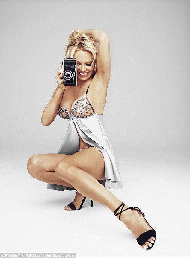 новости, памела андерсон, актриса, фотомодель, белье, нижнее, фотосессия