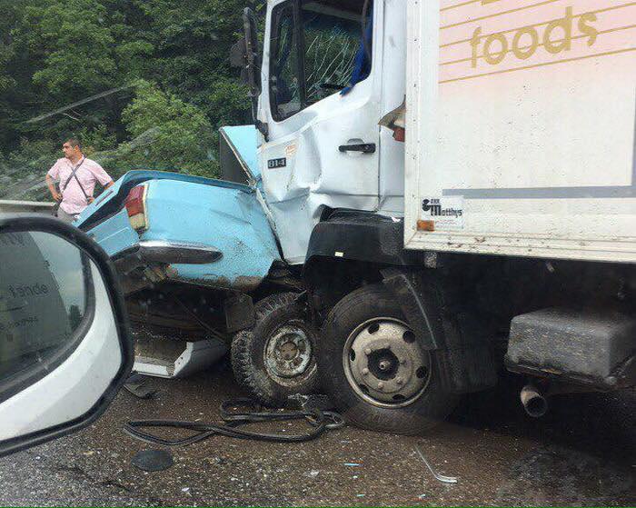 ДТП наЛьвовщине. «Волга» навстречке врезалась в грузовой автомобиль, погибли два человека