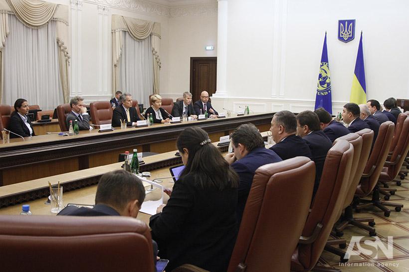 Киев ожидает два млрд. отМВФ доконца года