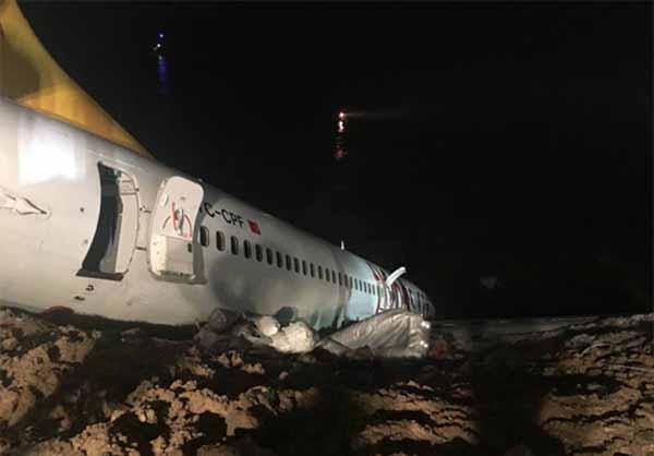 Турция, самолет Boeing, обрыв