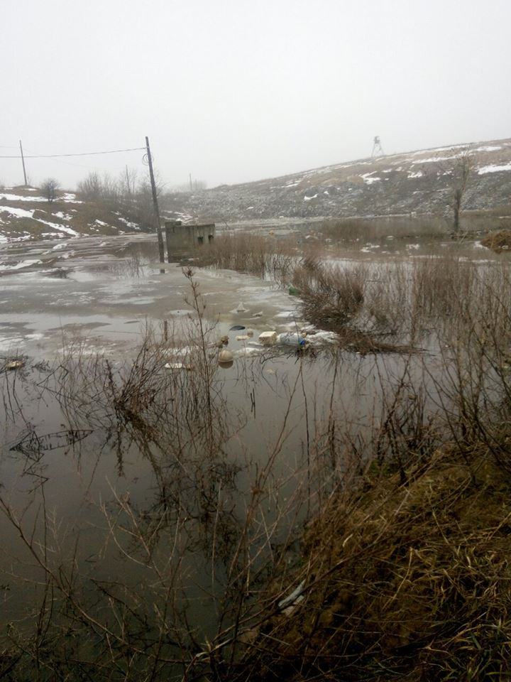 свалка, киевская область, вита-почтовая, село, снег, вода, дамба, экология, катастрофа