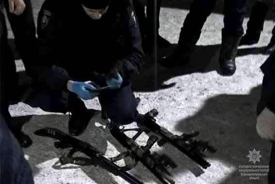 каменское, заложники, предприятие, полиция, люди, злоумышленники, ножи, пистолет, огнестрел, оружие, днепропетровская область