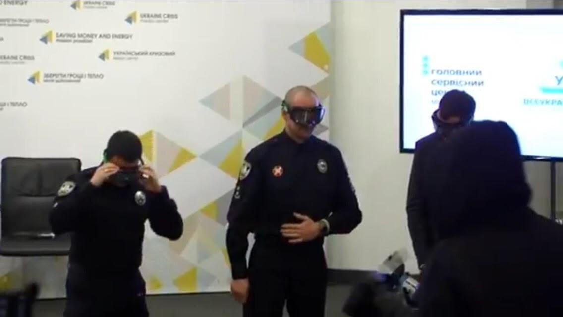 Вукраинских автошколах опробуют очки, имитирующие алкогольное опьянение