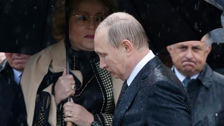 Путін з'явився налюдях мокрий якхлющ: меми і фотожаби