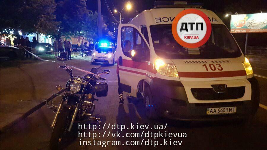 ВКиеве неизвестные изавто расстреляли мотоциклиста