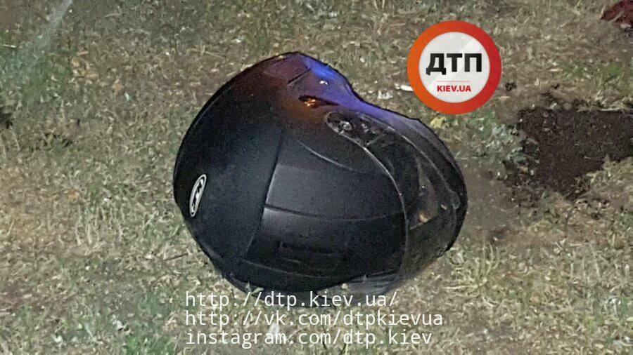 ВКиеве неизвестные расстреляли мотоциклиста