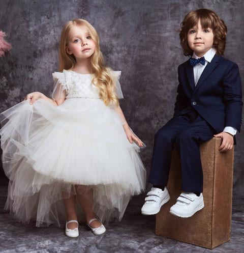 Двойняшки Пугачевой иГалкина стали лицом детской коллекции Юдашкина
