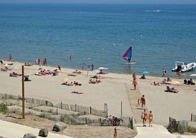 фото бикини зрелые на пляже