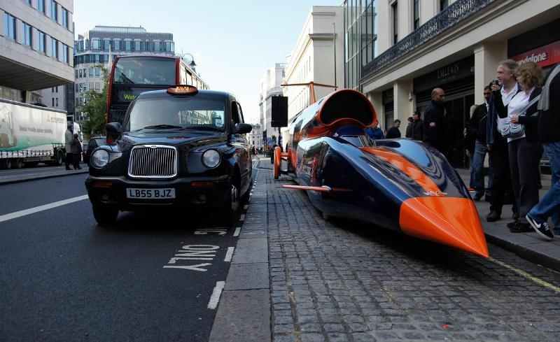 До322 км/год за9 сек— уВеликій Британії випробували надзвуковий автомобіль